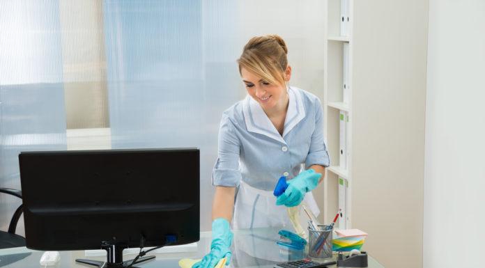 De ce sa iti cureti biroul cu detergenti bio