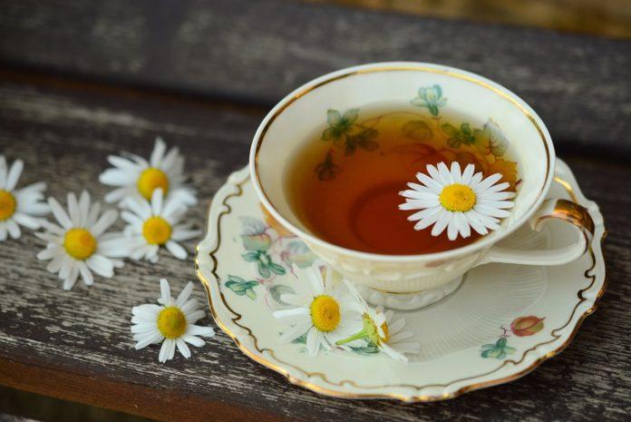 beneficii ale consumului de ceai de musetel