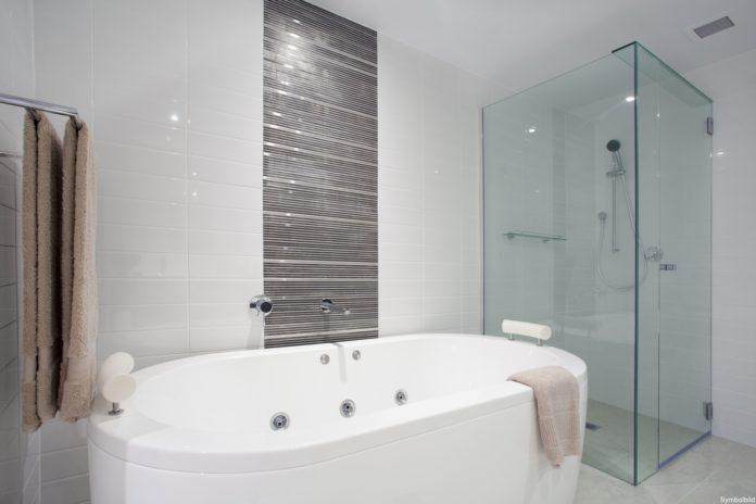 Cabina de duș și paravan de duș pentru baia modernă