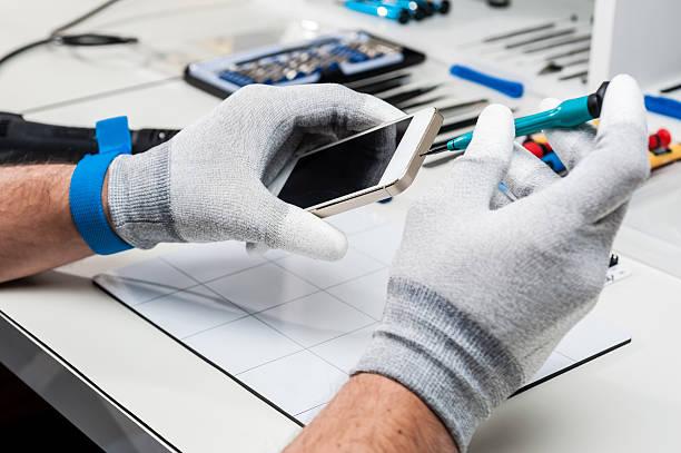 Serviciile profesioniste de reparații telefoane pot salva cheltuieli suplimentare importante